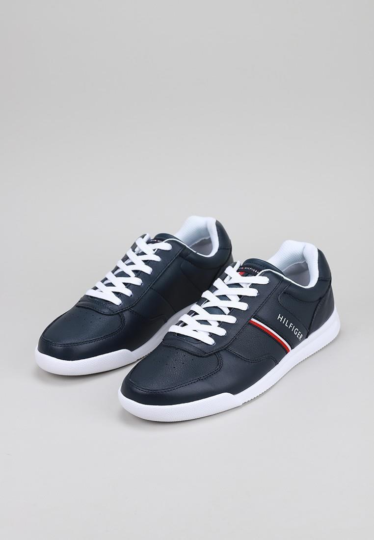 tommy-hilfiger-lightweight-leather-sneaker
