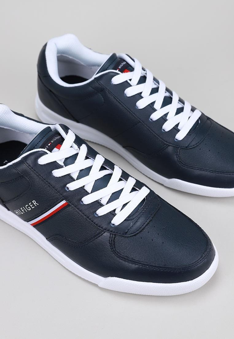 tommy-hilfiger-lightweight-leather-sneaker-azul marino