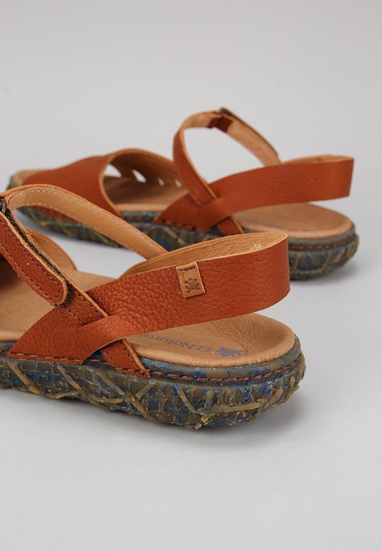 zapatos-de-mujer-el-naturalista-cuero