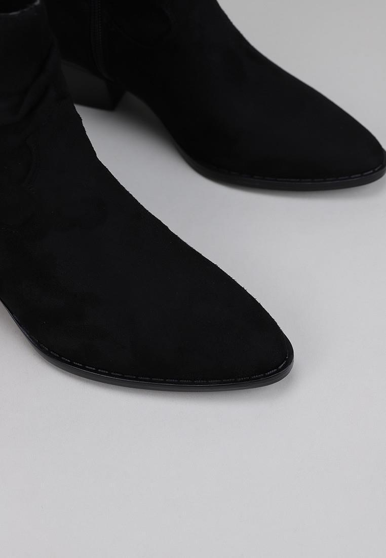 mustang-58618-negro