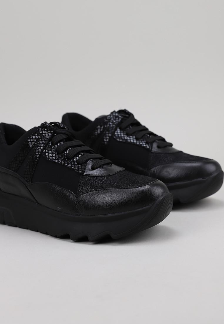 stonefly-212774-negro