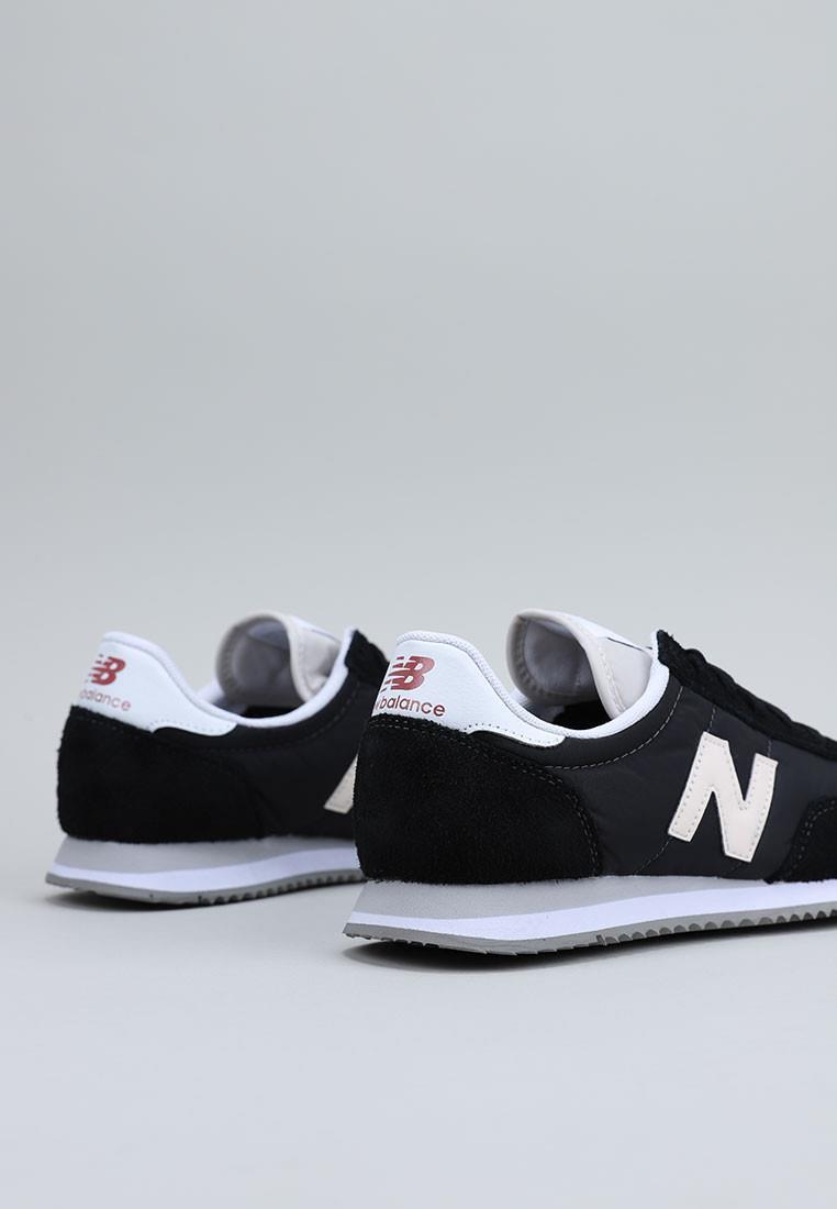 zapatos-de-mujer-new-balance-negro