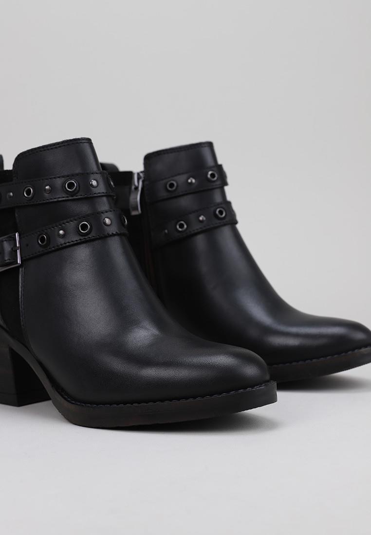 lol-1104-negro
