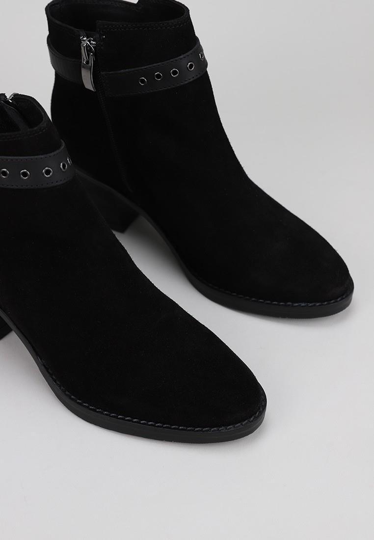 lol-1103-negro