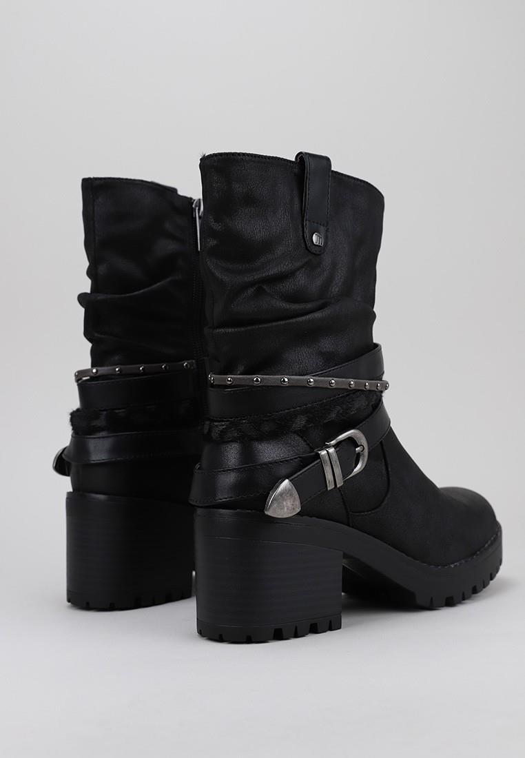 zapatos-de-mujer-mustang-negro