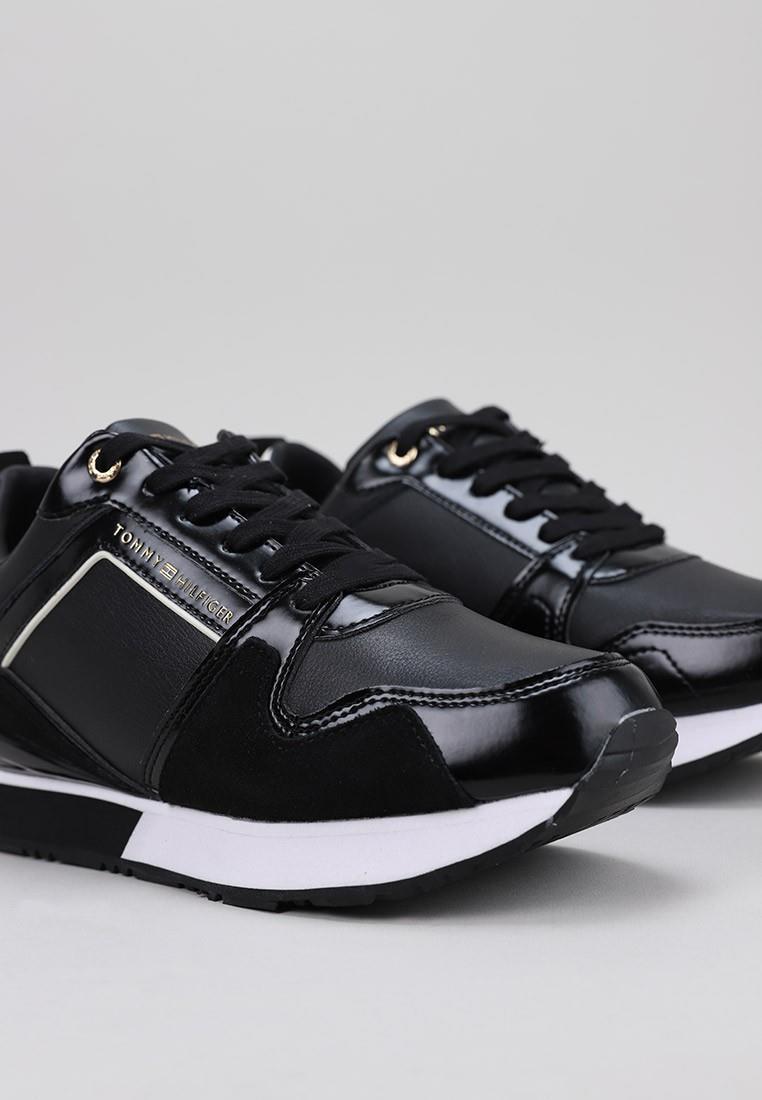 tommy-hilfiger-04420-negro