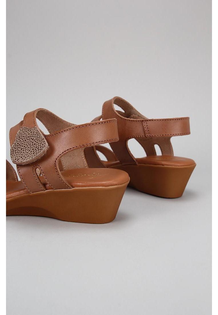 zapatos-de-mujer-amanda-cuero