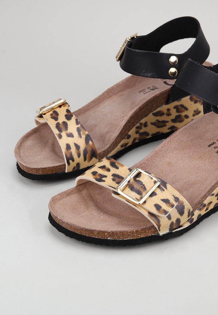 senses-&-shoes-giudeca-leopardo