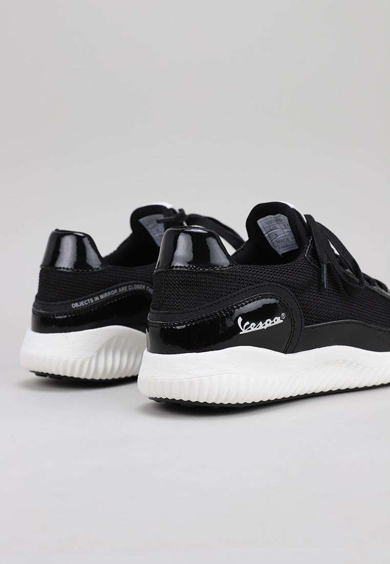 zapatos-de-mujer-vespa-negro