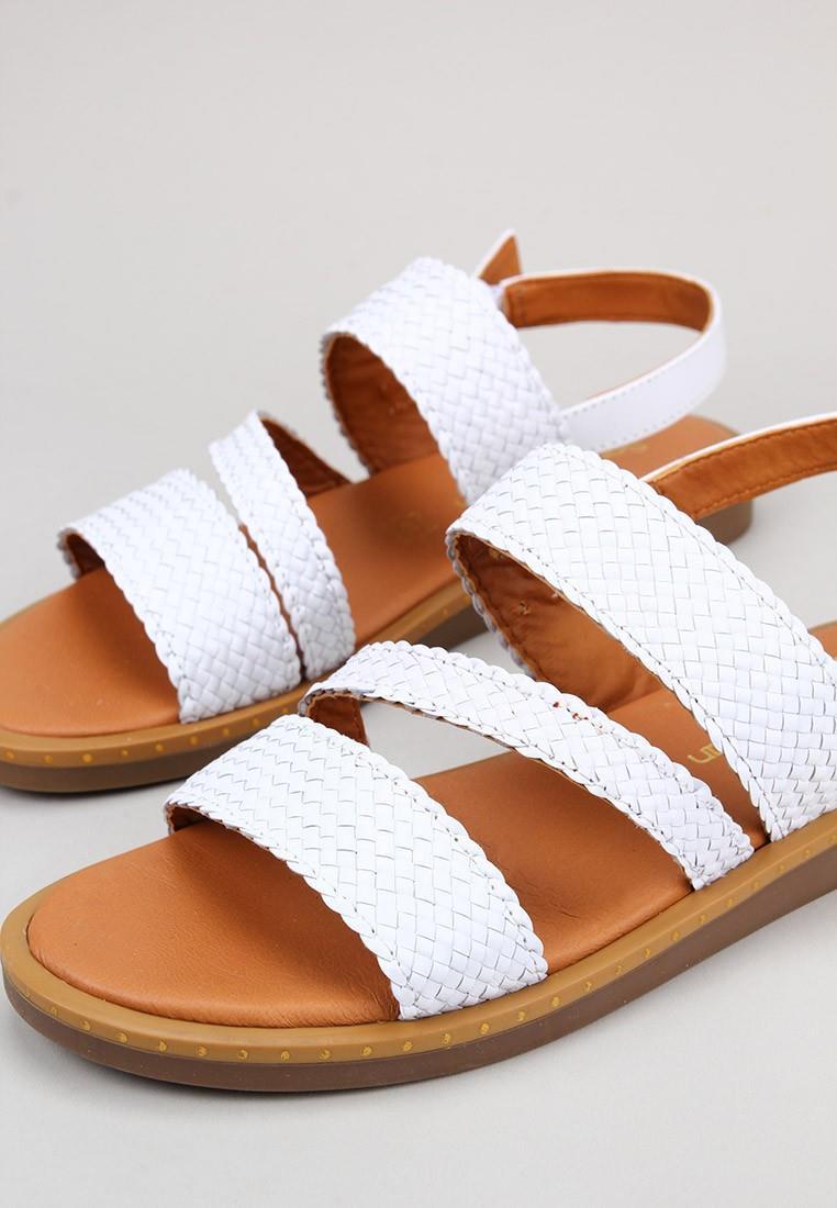 sandra-fontán-trendas--blanco