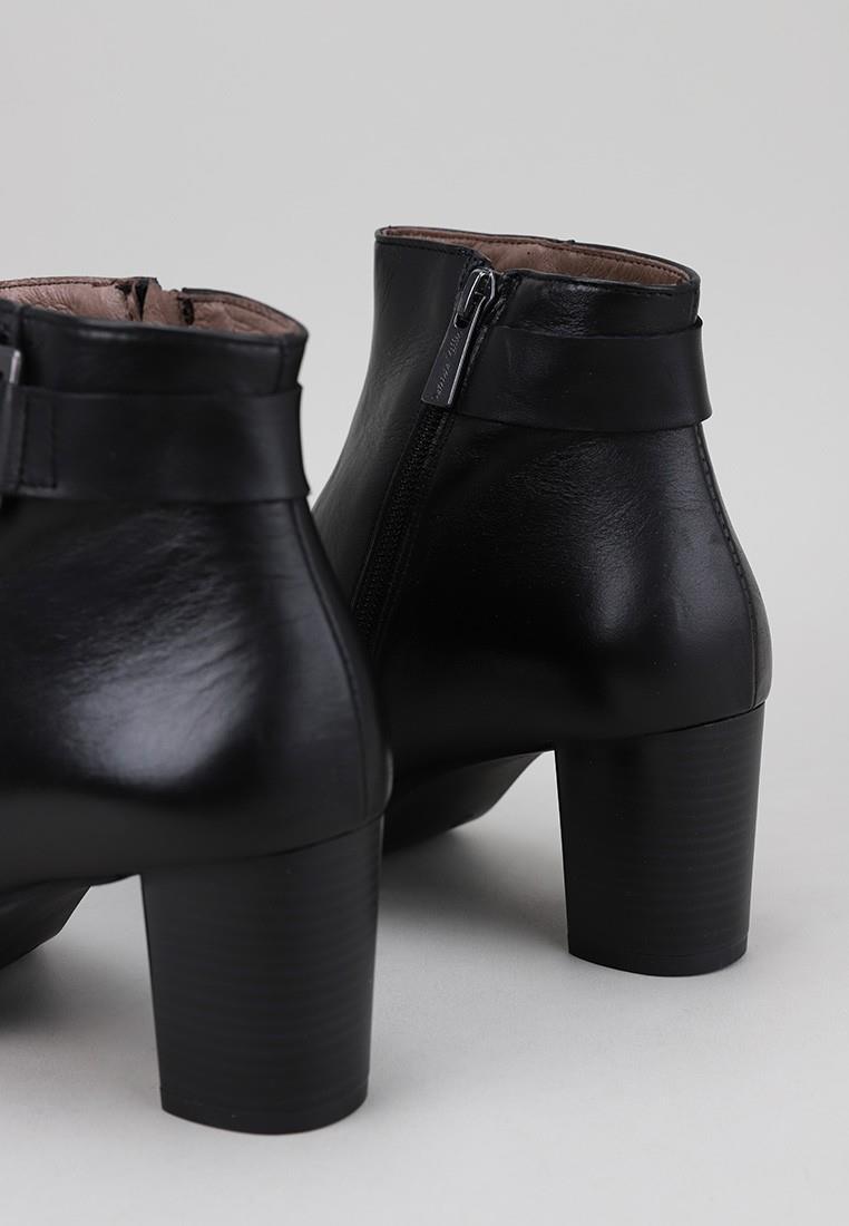 botines-tacon-sandra-fontán-mujer