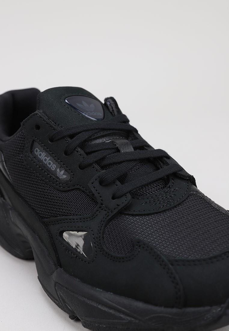 zapatos-de-mujer-adidas-falcon-w