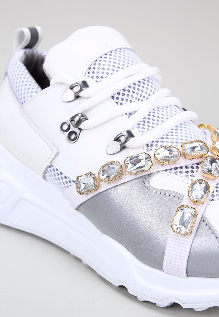 zapatos-de-mujer-steve-madden-credit