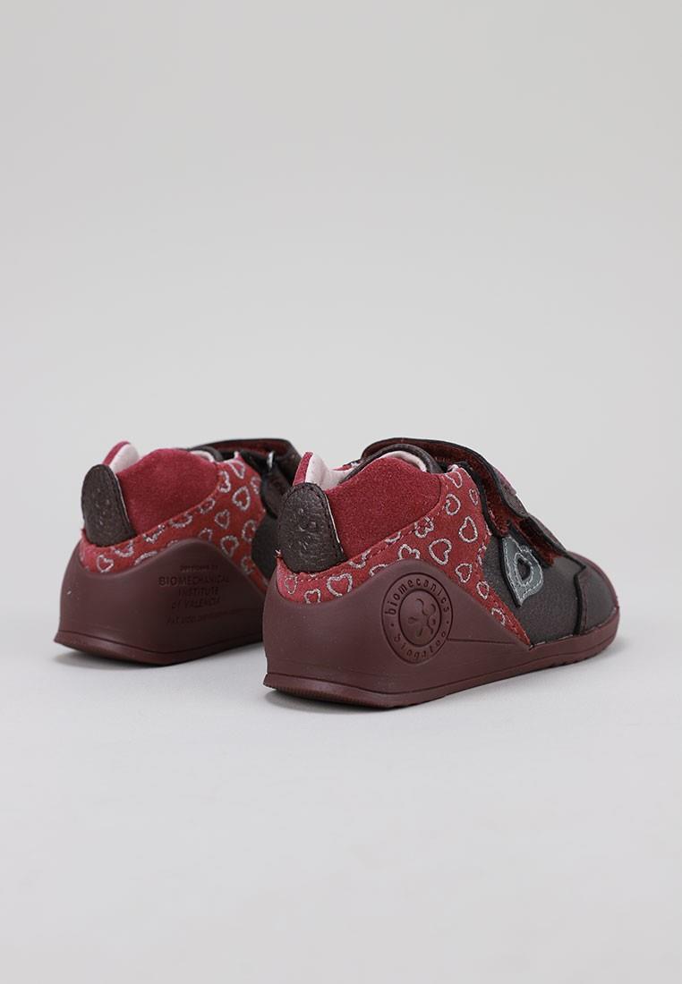 zapatos-para-ninos-biomecanics-burdeos