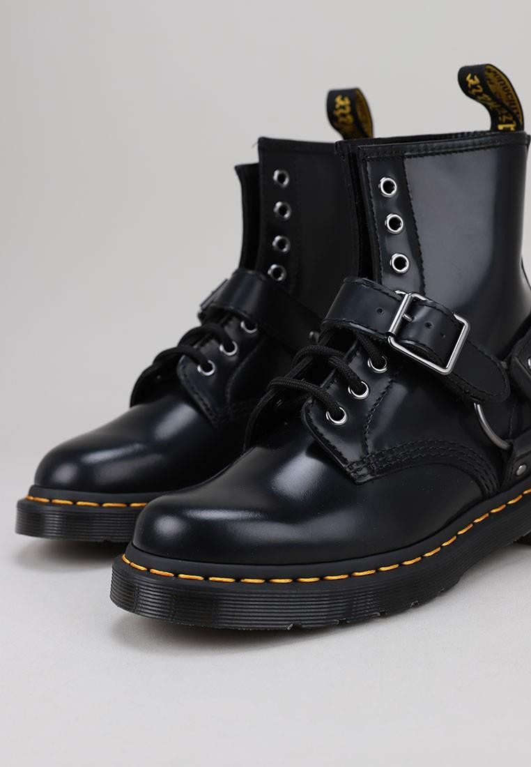 dr-martens-1460-harness-negro