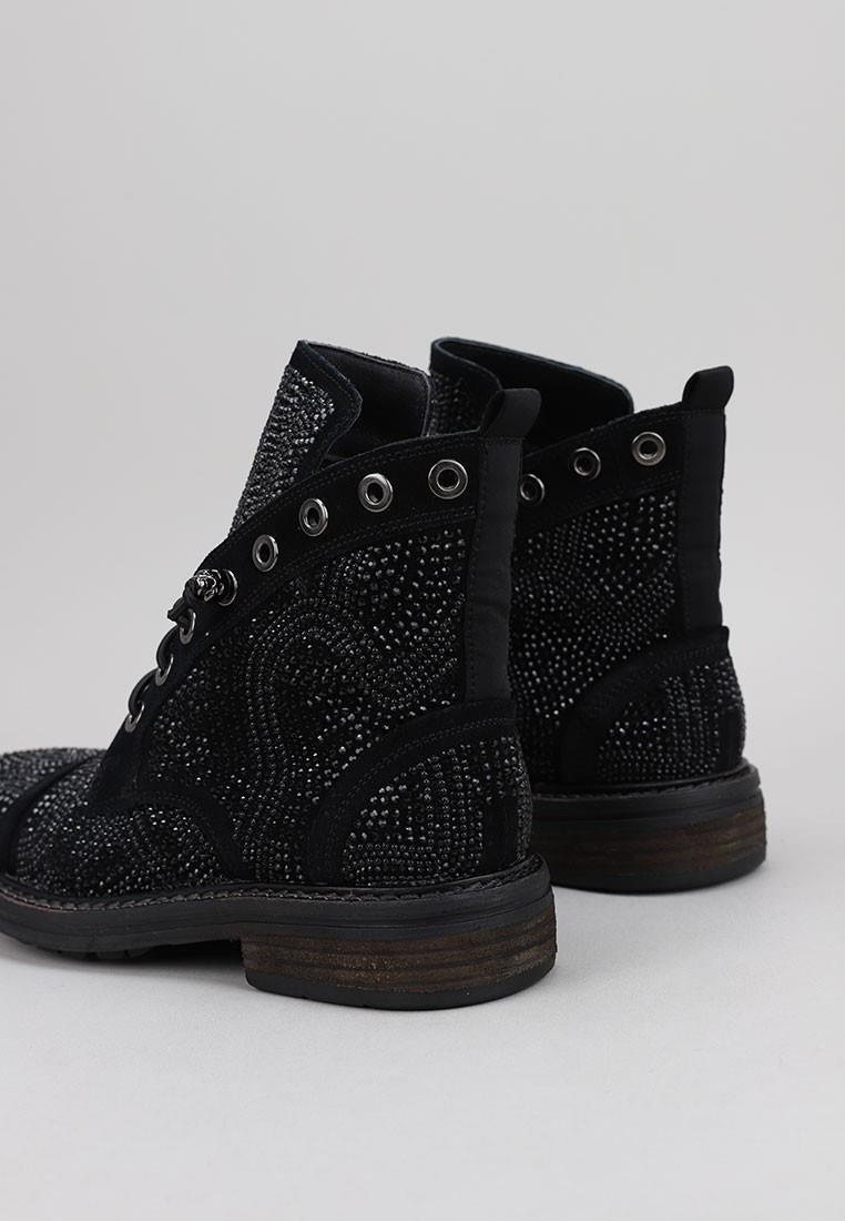 zapatos-de-mujer-alma-en-pena-negro